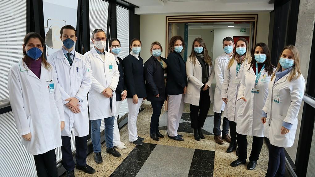Equipe multidisciplinar de Transplante de Medula Óssea do Hospital Mãe de Deus. Foto: Comunicação AESC